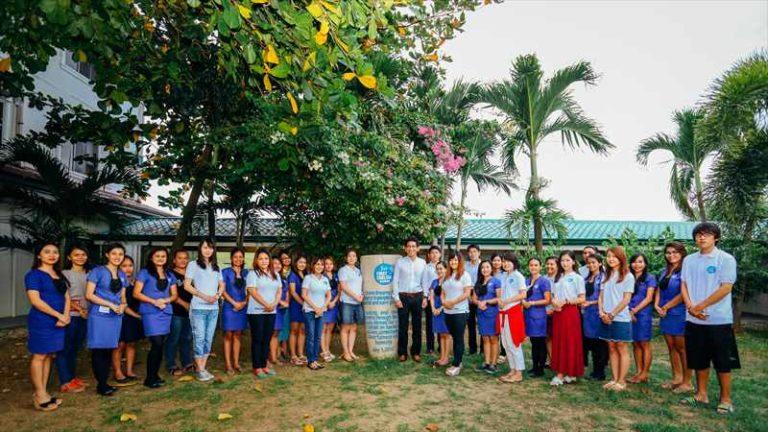 フィリピン・セブセブの語学学校(FirstEnglish・校長、講師とスタッフ)